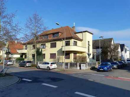 Schöne, geräumige drei Zimmer Wohnung in Offenbach (Kreis), Langen (Hessen)