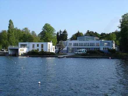 Townhouse am See mit Wassersportbezug in Berlin-Grünau