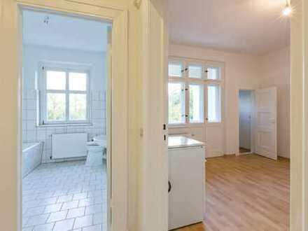 Bild_*renovierte 2 Zimmerwohnung mit Balkon + Garten*