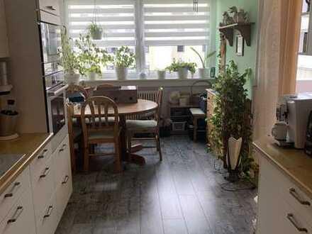 Super Lage | Toller Ausblick | 3 Zimmer | Balkon | Garage!