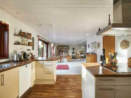 Ein-/Zweifamilienhaus / 7 Zimmer - sonnig, ruhig, familienfreundlich