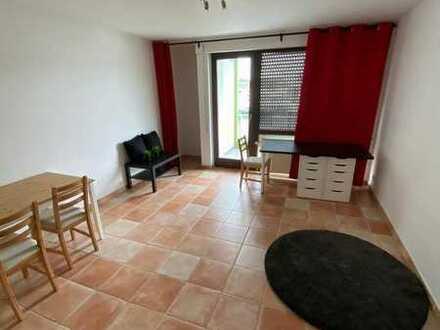 Modernisierte 1-Zimmer-Wohnung mit Balkon und EBK, 395 € kalt