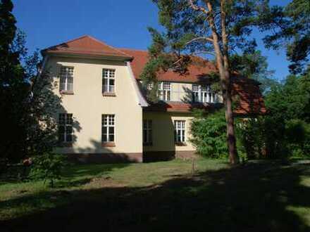 3 Zimmer Wohnung in gepflegter Parkanlage in Teupitz
