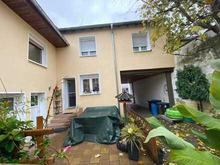 Saniert * Lichtdurchflutet * Viel Platz - Perfektes Familienhaus