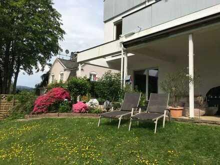 Wunderschöne Terrassenwohnung mit EBK am Leisberg