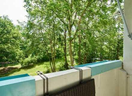 Packen, umziehen, einziehen - bezugsfreie Wohnung am Flakensee