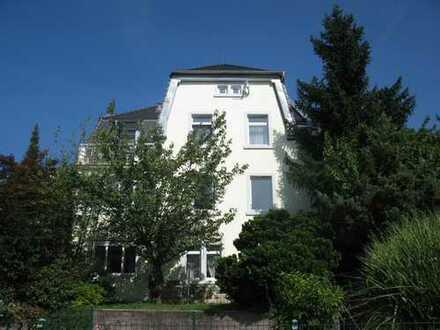 Helle 1,5-Zimmer- Altbau DG-Wohnung in Baden-Baden mit Panoramablick