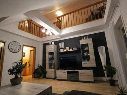 Helle 3,5-Zimmer-Maisonette-Wohnung mit Balkon und Einbauküche in Geltendorf