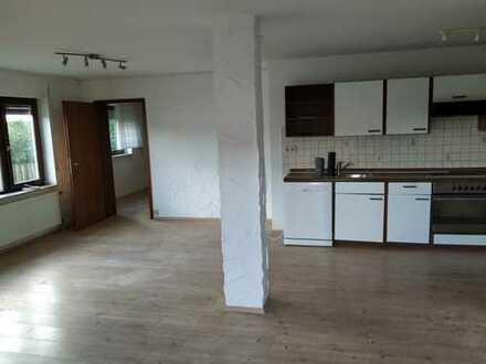 Gepflegte 2-Zimmer-Einliegerwohnung mit Terasse und EBK in Bodelshausen