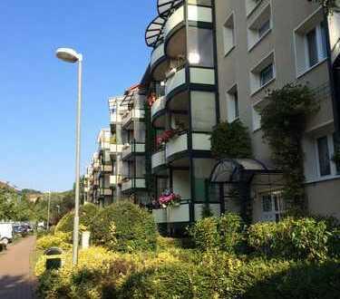3-Raum-Wohnung mit Balkon und bald mit Fahrstuhl!