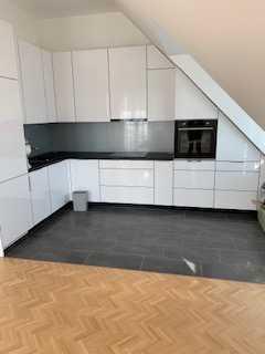 Stilvolle, neuwertige 2-Zimmer-DG-Wohnung mit Balkon und Einbauküche in Biesdorf (Marzahn), Berlin