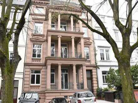 Großzügige 5 Zimmer-Eigentumswohnung in charmanter Altbauvilla in Wiesbadener City