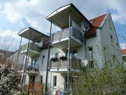 * idyllisch gelegene 2-Zimmer-Wohnung mit Balkon *