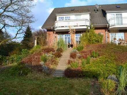 Vermietet!! Hochwertige Doppelhaushälfte mit Garage, Vollkeller und Südgarten in wunderschöner Lage!