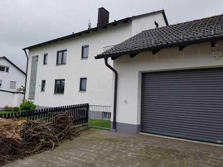 Toll modernisierte Wohnung mit Balkon