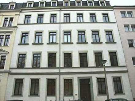 # Wunderschöne DG-Galerie-Whg. mit Balkon im Zentrum #