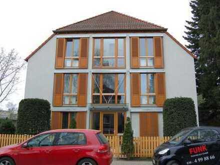 Helle 3-Zimmer-Wohnung mit großem Balkon in Niederschönhausen