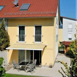 Einfamilien-Reiheneckhaus mit schönem Garten in guter Wohnlage, Nähe Kurpark Bad Krozingen