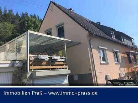 Top-Gelegenheit! Doppelhaushälfte mit schönem Grundstück in Hahnenbach zu verkaufen!