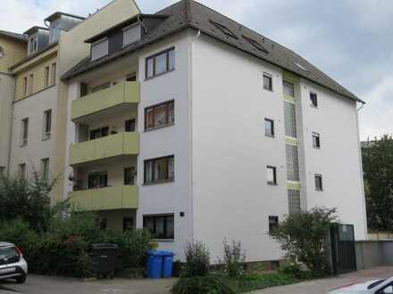 Helle Dachgeschosswohnung und Einzelgarage in gesuchter Lage von LU-Nord