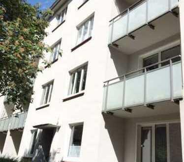Top sanierte und gut geschnittene 2 Zimmer - Wohnung mit Süd - Balkon am Park - Barmbek-Süd