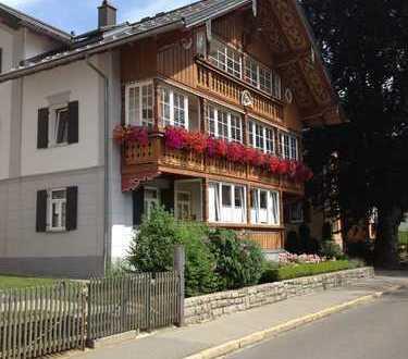 Sanierte 3-Zimmer-Erdgeschosswohnung mit Veranda und EBK in Oberstaufen