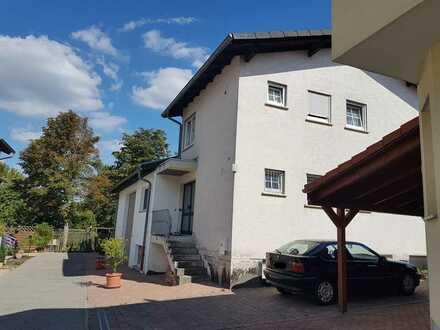 Flexibel nutzbares Haus mit 6 Zimmer und angebauter Halle in Wörrstadt