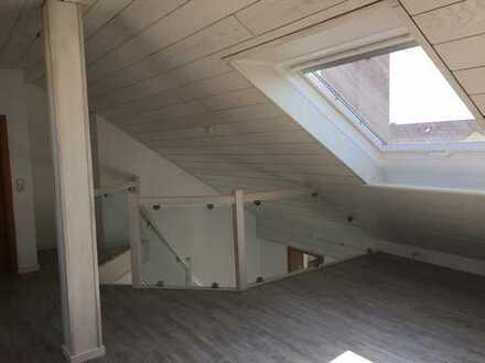 Schöne, sonnige 3,5 Zimmer Galeriewohnung, 115 qm
