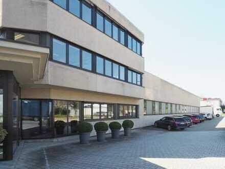 Hallengebäude mit Verwaltungstrakt (Bauteile A und B)