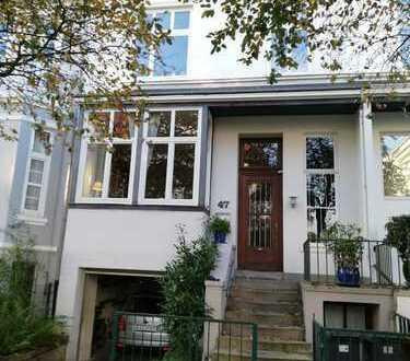 Großzügige Hochparterre-Wohnung mit Südterrasse&Wintergarten