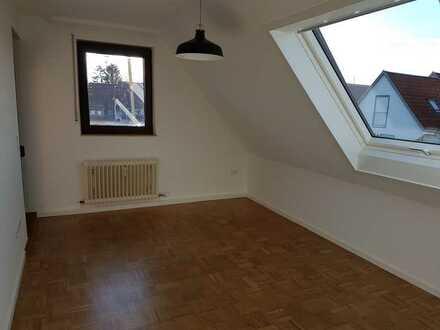 Helle 2-Zimmer-Wohnung im DG mit Westbalkon