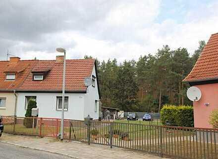 """Hübsches Domizil in Hufeisensiedlung """"Kummersdorf-Gut"""" direkt am Waldesrand"""
