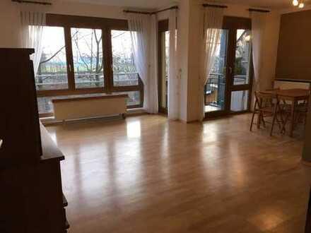 Leben im Grünen! 3-Zimmer-Wohnung mit Balkon, EBK und Parkplatz in Heidelberg