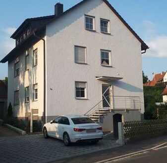 Attraktive 2,5-Zimmer-Dachwohnung in Herzogenaurach
