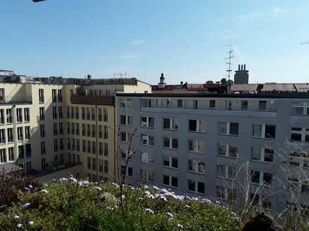 Sanierte 3-Zimmer-Wohnung mit großer Terrasse im Zentrum