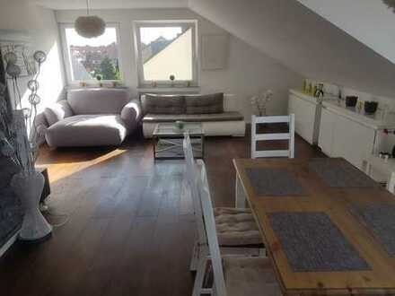 Ruhige, hochwertig ausgestattete 3-Zimmerwohnung in Rheindorf-Süd mit Einbauküche