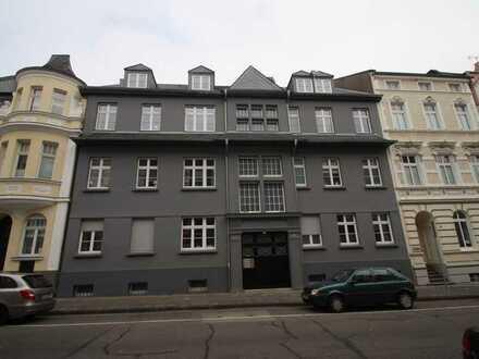 ++ Traumhafte Altbauwohnung ++ Auf einer Ebene mit Balkon +++