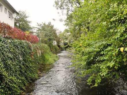 Wunderbar verknüpft: Ein Zuhause mit Garten - Wohnen am Wasser – ein Idyll!