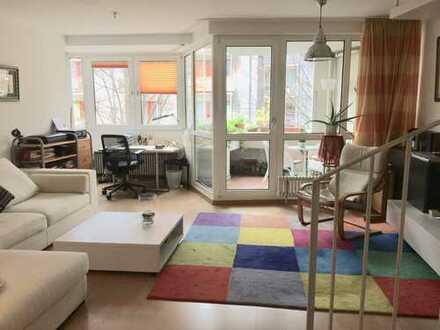 Helle und ruhige Maisonette-Wohnung mit Balkon und EBK in Köln-Sülz