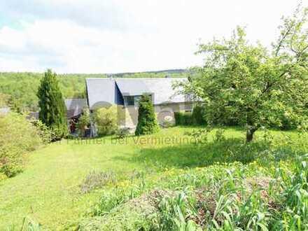 Im Erzgebirge zuhause: 5-Zi.-DHH mit Garten und Gestaltungspotenzial in Waldrandlage