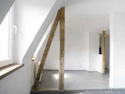 Frisch sanierte Mietwohnung - 4 Zimmer mit offener Küche (für Familien geeignet)