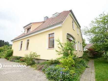 RESERVIERT++ Großzügiges Einfamilienhaus mit riesigem Garten zum Entspannen und Blick auf den ITH ++