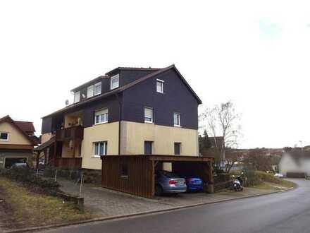 Hartlanden: 3-Zi.-Eigentumswohnung mit Balkon und Carport