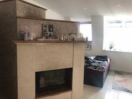 Günstige, vollständig renovierte 6,5-Zimmer-Wohnung mit Einbauküche in Kulmbach