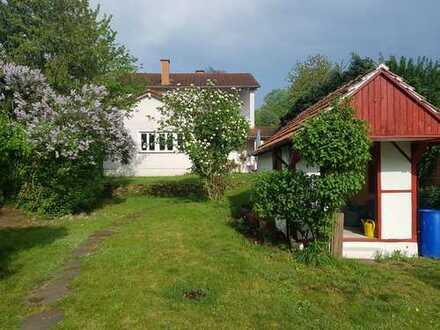 Großzügige 2-Zimmerwohnung in AB-Schweinheim für Gartenliebhaber