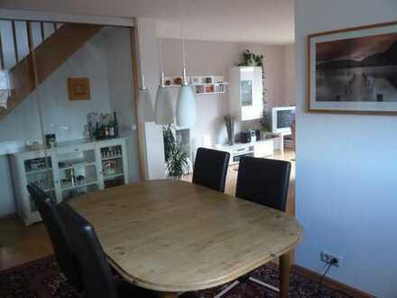 Gepflegte 3,5-Zimmer-Maisonette-Wohnung mit Balkon und Einbauküche in Wildberg-Gültlingen