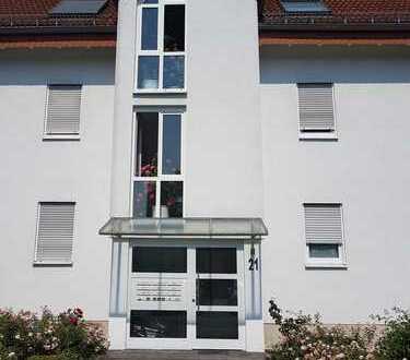 Gepflegte 1-Zimmer-Hochparterre-Wohnung mit Balkon und Einbauküche in Karlsruhe