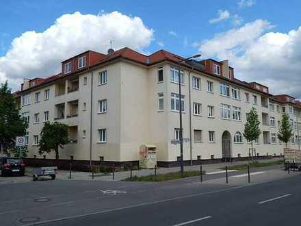Attraktive Dachgeschosswohnung mit drei Zimmern und einer Terrasse!
