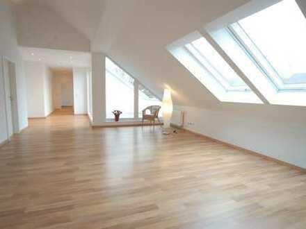 Attraktive 4,5-Zimmer-DG-Wohnung ausgebaut 2015 mit Balkon in Riegel am Kaiserstuhl