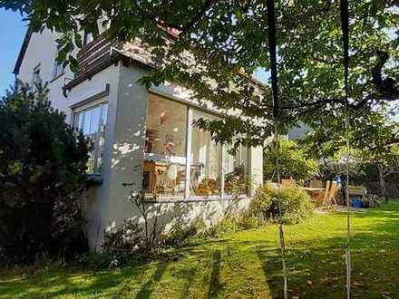 Großzügiges Einfamilienhaus mit großem Garten in Stuttgart, Heumaden